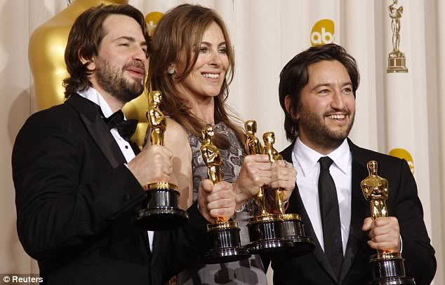 kathryn bigelow winning an academy award for best picture as director and producer of hurt locker